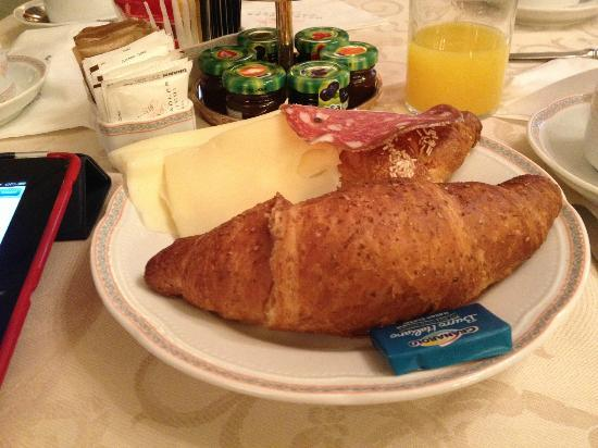 Adler Cavalieri: my first breakfast in Florence
