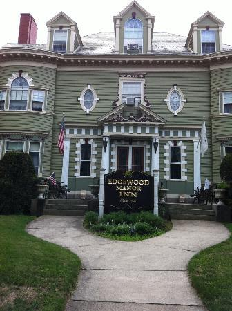 Edgewood Manor Bed and Breakfast: Just amazing