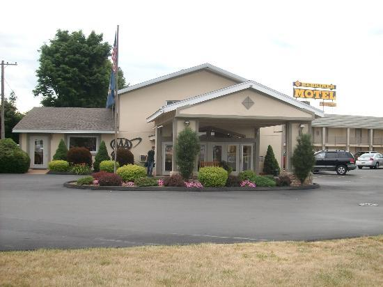 Herkimer Motel & Suites : Check-in area