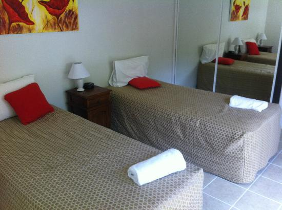 The Villas Palm Cove: 2nd bedroom