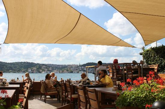 Radisson Blu Bosphorus Hotel, Istanbul: Breakfast view