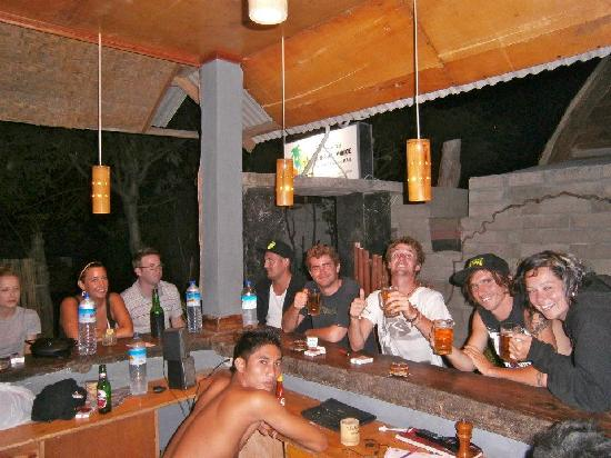 Coral Voice Home Stay and Bar: BBQ at bar