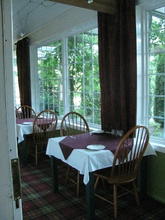 Great Tree Inn Bed &amp; Breakfast: breakfast room