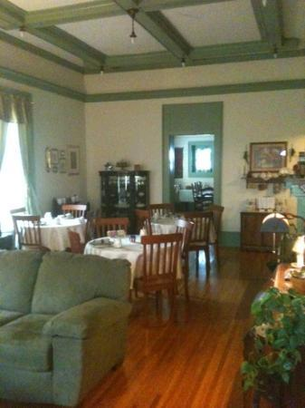 Cliff Manor Bed &amp; Breakfast Inn : Dining Room