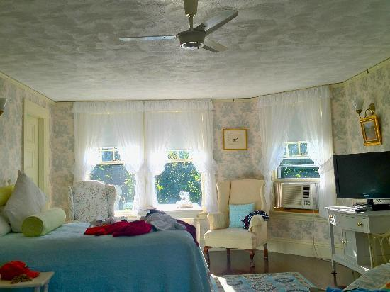 Moseley Cottage Inn and Town Motel: Precipice Room