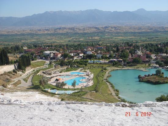 Beautiful canadian mountain rock pools pics for Best pool buys canada