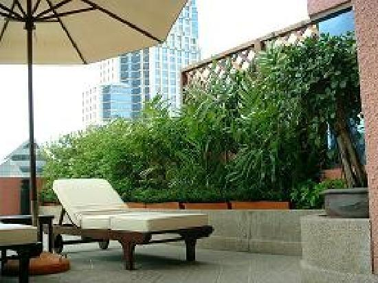 Siri Sathorn: Terrace at OneBedroom Terrace Suite