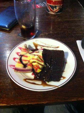 Tarporley, UK: a very special dessert specialy made for me yum!! yum!!!
