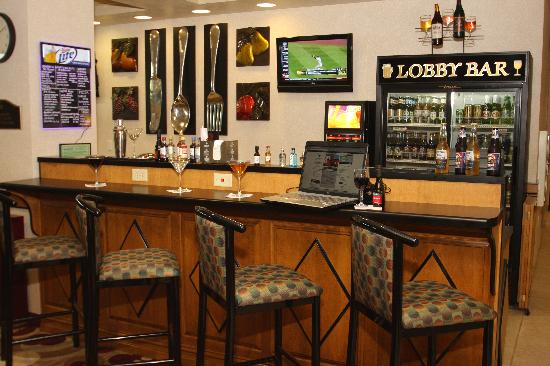 Appleton, : Lobby Bar