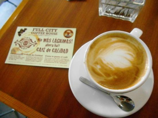 Full City Coffee House : Café con Leche