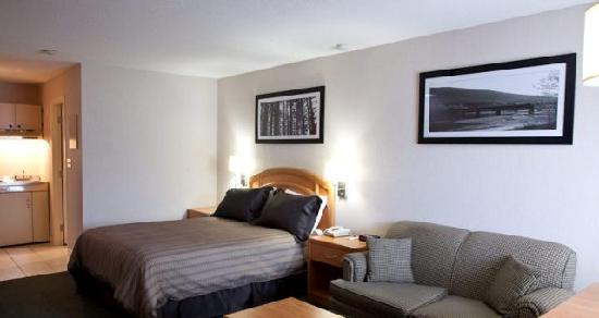 Sandman Hotel Revelstoke: Guest Room