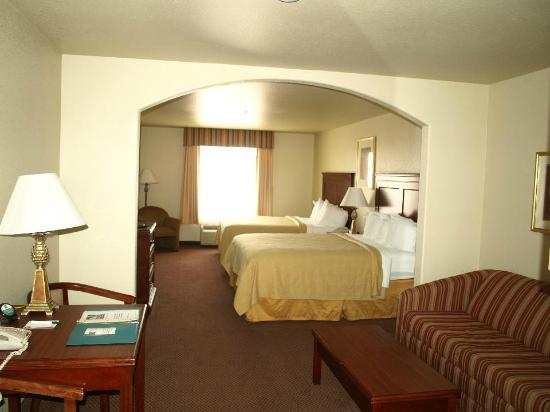 Quality Inn &amp; Suites: My room