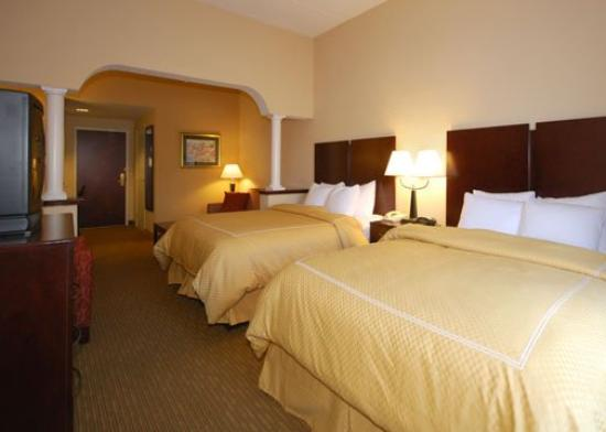 Comfort Suites: Double Queen Beds Suite