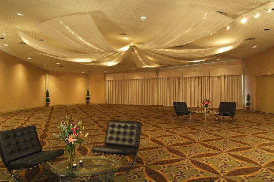BEST WESTERN PLUS Royal Brock Hotel & Conference Centre: Meeting Room