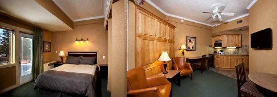 High Country Inn: Bedroom Suite