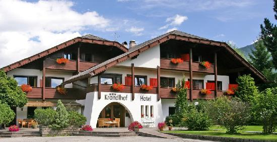 Photo of Hotel Krondlhof Riscone
