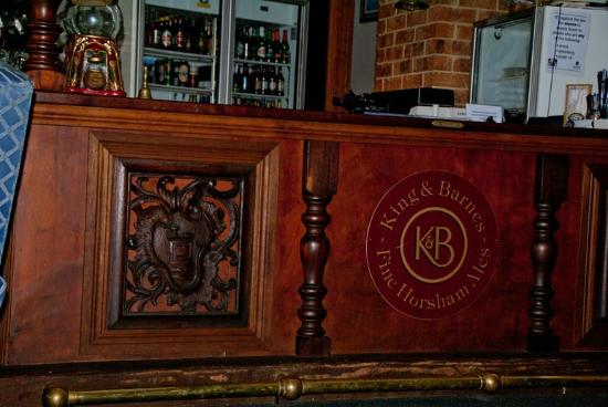 Springbrook Mountain Manor: Bar