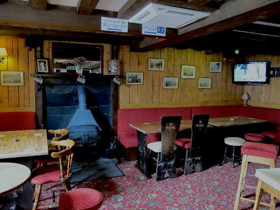 The Three Tuns Hotel: The Landlords Lounge/Bar