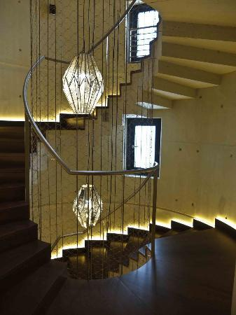 Hotel DO: Stairs