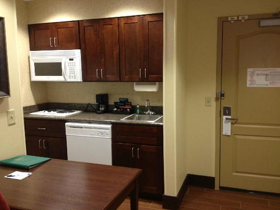 Homewood Suites by Hilton Binghamton/Vestal: kitchen