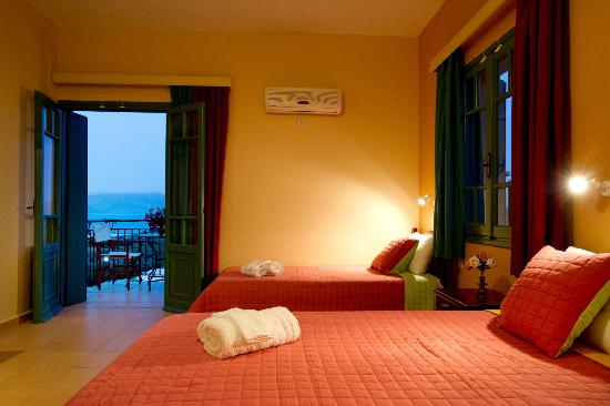 Kaliviani, กรีซ: Triple-Quadruple Room with sea view