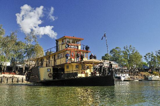 Photo of Paddle Steamer Emmylou Echuca