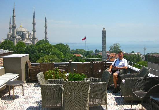 Ibrahim Pasha Hotel: roof top bar with a view