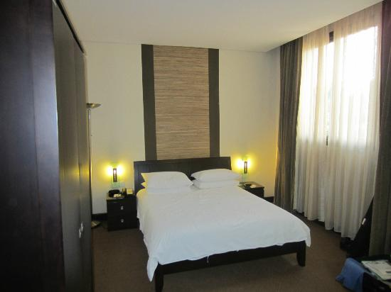 Protea Hotel Kampala: Bed was low down but comfortable
