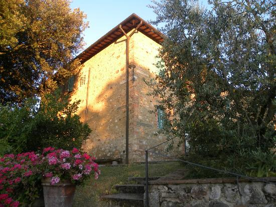 Podere San Luigi: the corner of the house seen from the pool