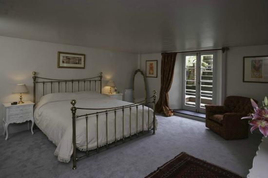 Number 5 B&amp;B: The Garden Room