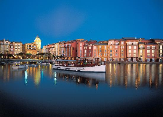 Loews Portofino Bay Hotel at Universal Orlando: Water taxi in hotel harbor
