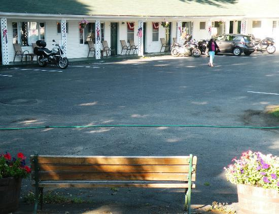 Aurora Inn: One of the section of the Motel