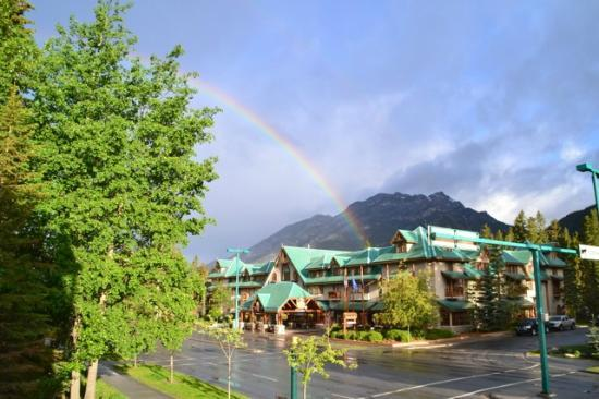 Banff Caribou Lodge & Spa : Somewhere over the Rainbow....