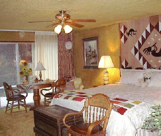 A Country Retreat Bed and Breakfast: Aztec Room
