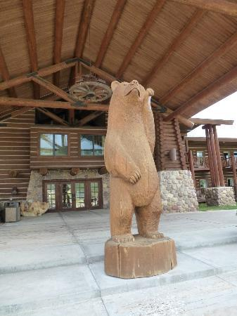 Daniels Summit Lodge: The front entry.