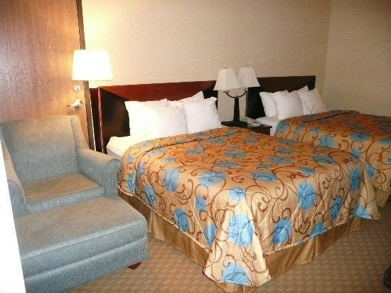 Sleep Inn & Suites: 2 double beds