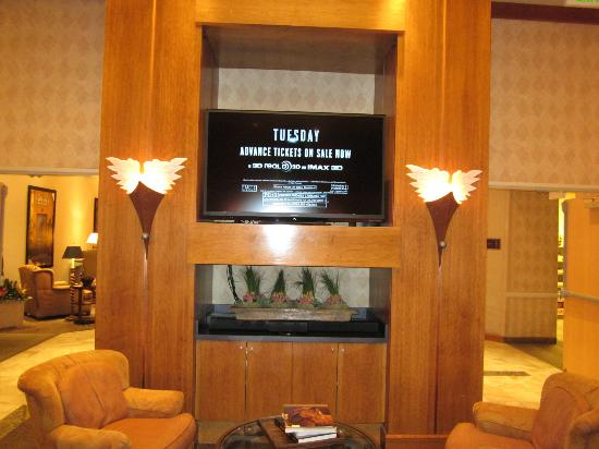 Gainey Suites Hotel: The Dinning Build-in Telvision