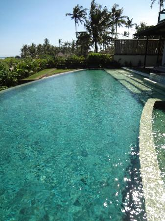 The Shore Villa: Main pool