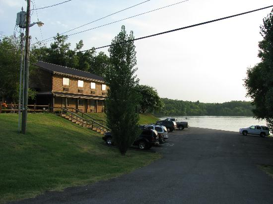 Moors Resort & Marina on Kentucky Lake: The lodge