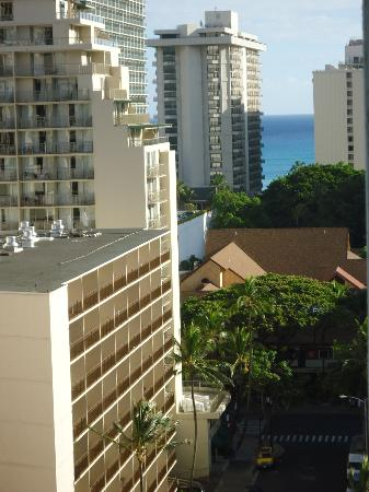 Blum's Waikiki Beach Condominium Suites: View from room's lanai