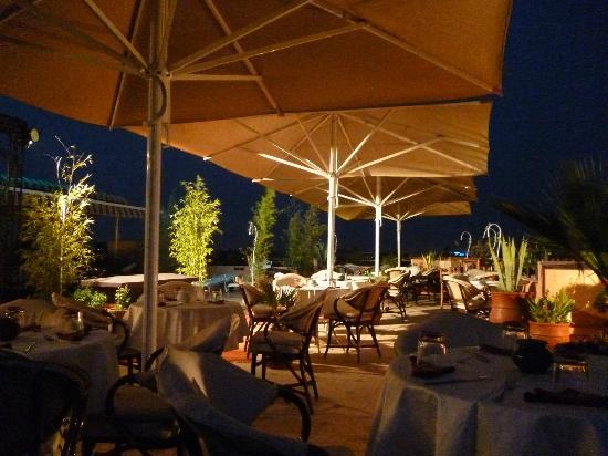 Amani Hotel Appart: Rooftop Terasse 1