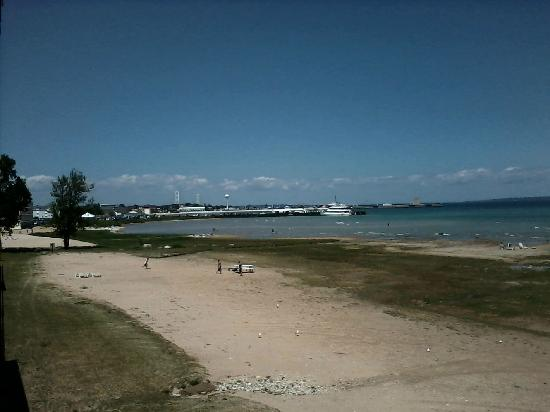 Waterfront Inn - Mackinaw City: From the balcony