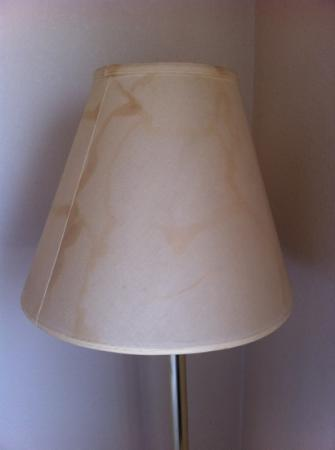 Super 8 Motel Somerset: Stains on lamp shade