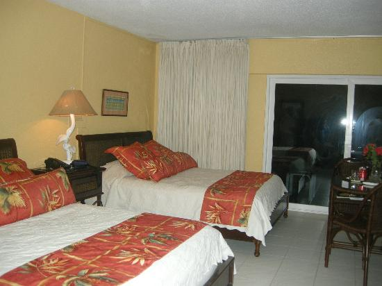 The Palms at Pelican Cove: our room