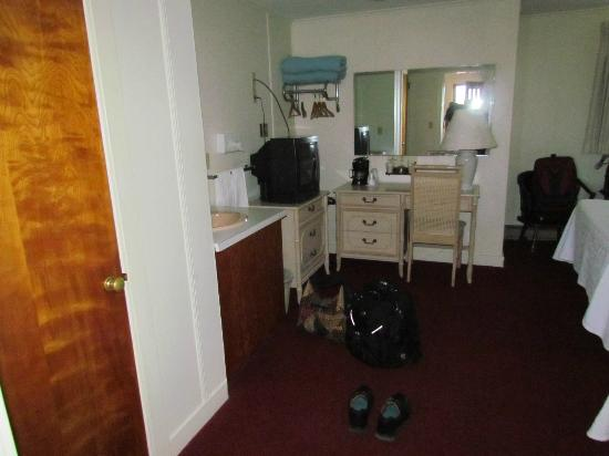 Edenbrook Motel: Room with double beds