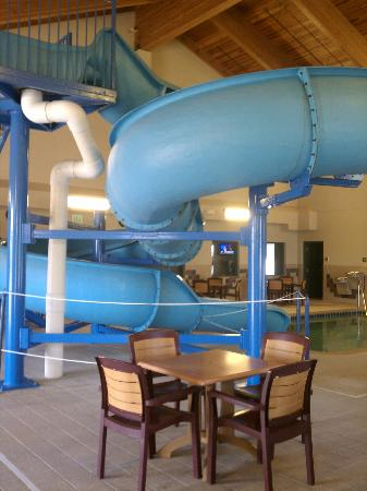 Country Inn & Suites Duluth North: Waterslide