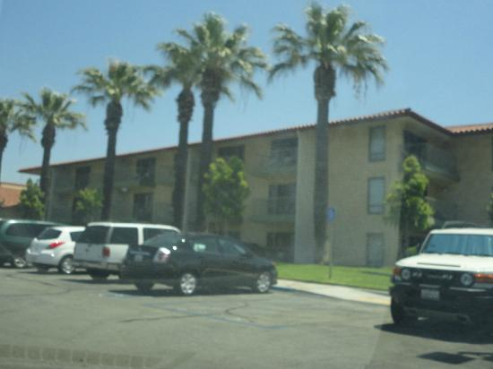 DoubleTree by Hilton Hotel Ontario Airport: out side of our room