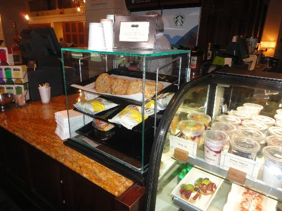 DoubleTree by Hilton Hotel Ontario Airport: cafa good cookies