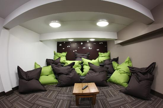 The ware rooms at night picture of euro hostel newcastle for Chill bedroom ideas