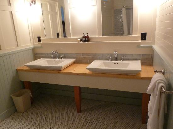 McCloud Mercantile Hotel: salle de bain